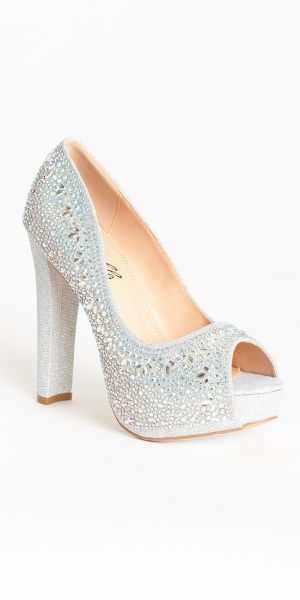 b0d4dfded308 Shoes for the new dress | Camille La Vie